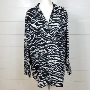 Maggie Barnes Size 3X  Tunic Top Button Front